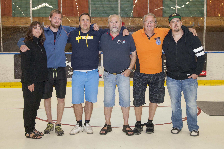 Hockeystyrelsen med Roger Allberg tvåa fr höger.
