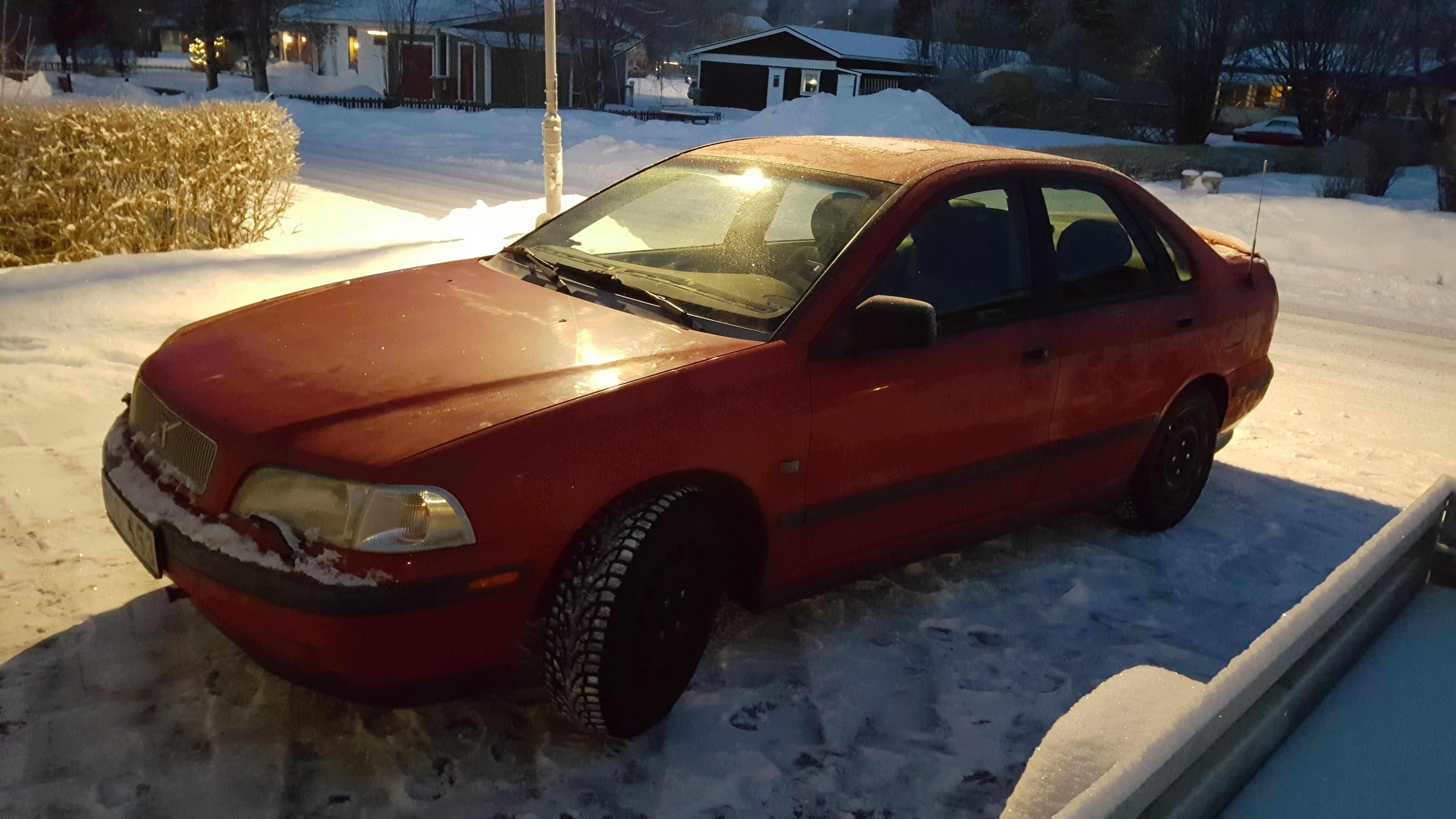 Foto: Cathrine Ericson. Bilen återfanns på Ripstigen i Strömsund där ägaren kunde hämta den under morgonen.