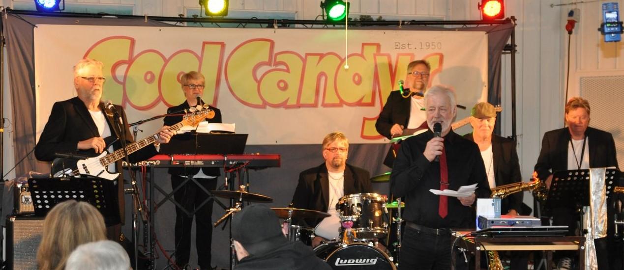 """Bild från """"Lördagsgodis"""" med Jörgen Olofsson som konferencier."""